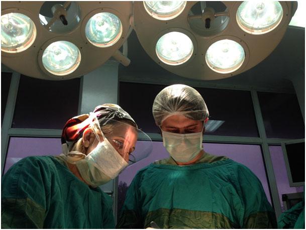 Meme Kanseri Tanı ve Tedavisi | Prof.Dr.leyla Zer| Meme Kanserinde hastaya en uygun tedavi seçeneğini bulmak için, Göztepe Medikal Park Hastanesi, Meme Cerrahisi Birimi, Meme Kanseri, Meme Cerrahisi, Meme Kanseri Tanı ve Tedavisi